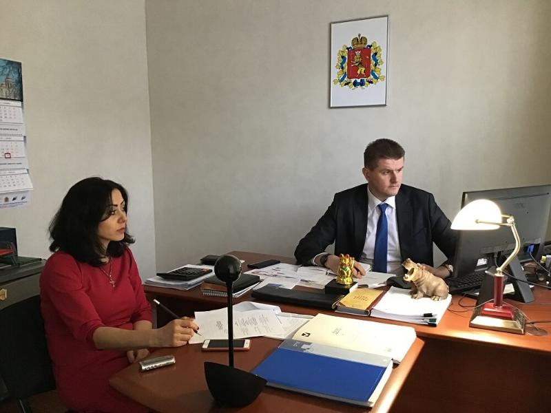 "THE VLADIMIR CENTER FOR EXPORT SUPPORT HELD AN ""HOUR WITH THE TRADE REPRESENTATIVE IN POLAND""."